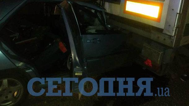 """В Киеве пьяный водитель """"влетел"""" под грузовик"""