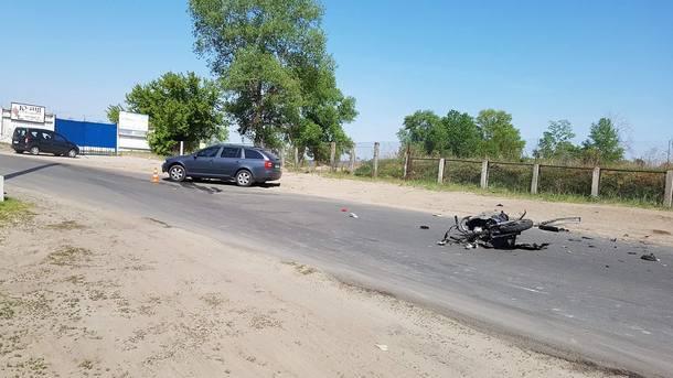 ВКиеве смертельное ДТП: скутер сподростками врезался вавтомобиль