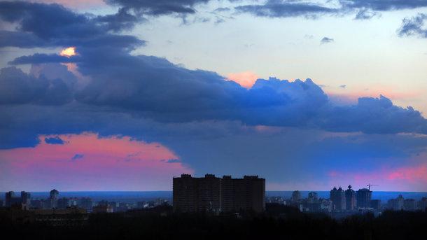Грозы, шквалы иград: cотрудники экстренных служб предупредили орезких погодных изменениях вУкраинском государстве