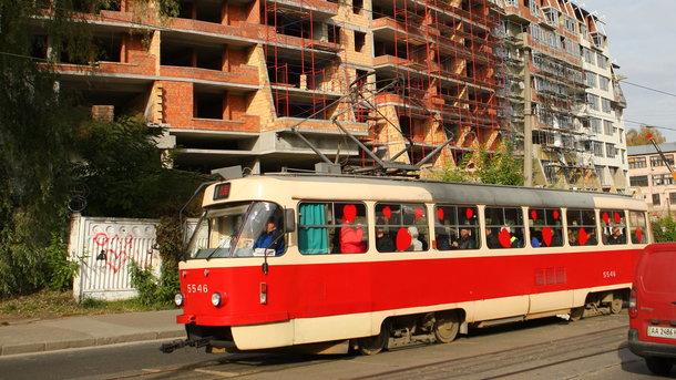 ВКиеве прошел парад трамваев