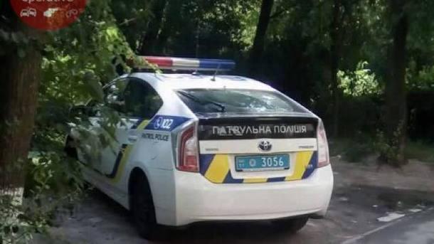 Сын набросился на отца с ножом. Фото: facebook.com/KyivOperativ