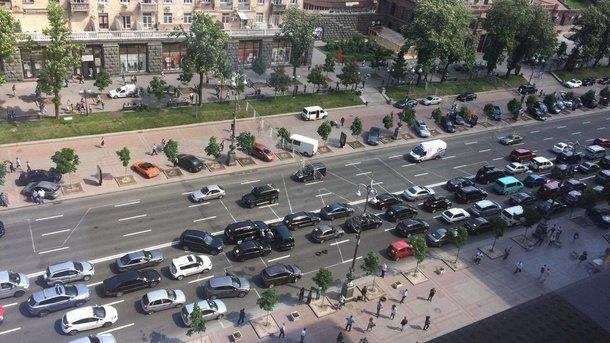 Пересаживаемся навелосипеды: Центр столицы Украины  перекрывают