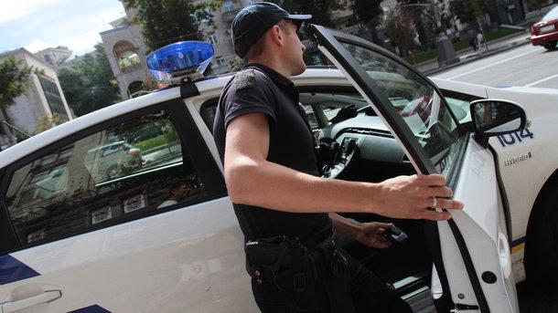 НаПрорезной 40 молодчиков дымовыми шашками забросали кафе