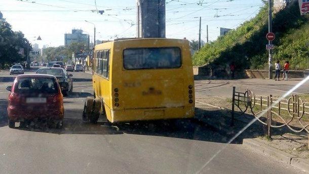 Смертельные маршрутки: как в Киеве будут решать проблему с аварийными автобусами