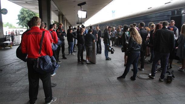 В Киеве ищут взрывчатку на Центральном ж  д вокзале люди эвакуированы