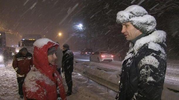 «Тымне нерассказывай»: Кличко вКиеве строго отчитал водителя