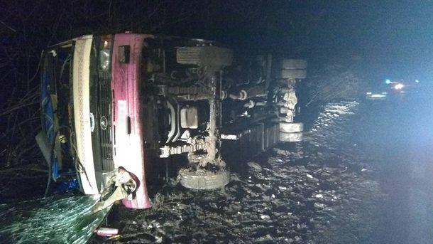 ВКиевской области пассажирский автобус слетел вкювет: Есть пострадавшие
