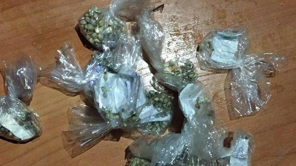 Женщина продавала студентам наркотики. Фото: kv.npu.gov.ua