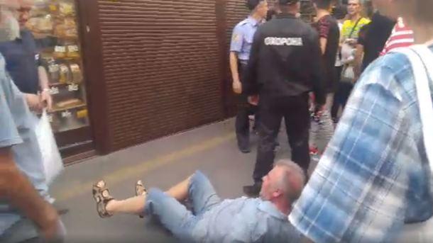 Геращенко: милиция задержала молодчика-иностранца, избившего военного пенсионера вКиеве