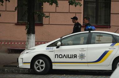 В Киеве полицейскому пришлось зашивать голову