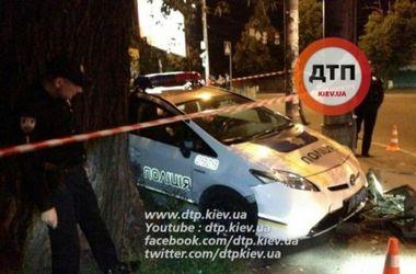 <p>В Киеве протаранили полицейский автомобиль</p>