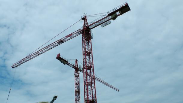 ВКиеве рухнула строительная площадка высотного крана изадавила мужчину