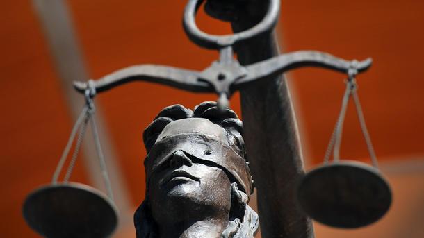 ГПУ: ВКиеве навзятке в13 тыс дол задержали судью
