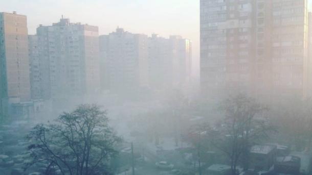 ГСЧС успокаивает, асиноптики сообщают о радиационном тумане— ВКиеве паника