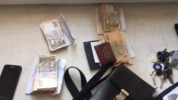 Присвоили 10 млн грн премий: вКиеве арестовали 3-х полицейских