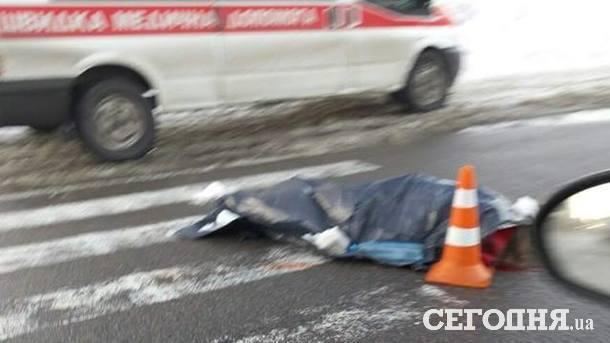 ВКиеве автомобиль попал в ужасное ДТП, погибла девушка