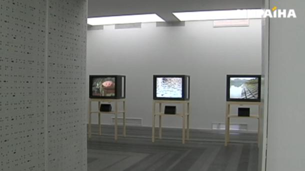 В Киеве открылась необычная выставка: работы созданы с использованием звука, видео и запахов