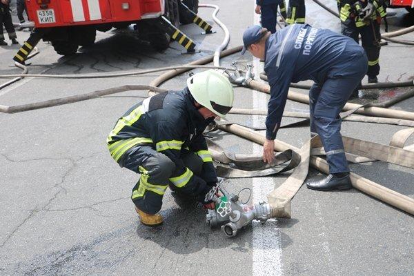 Пожар вцентре столицы Украины: горел хостел