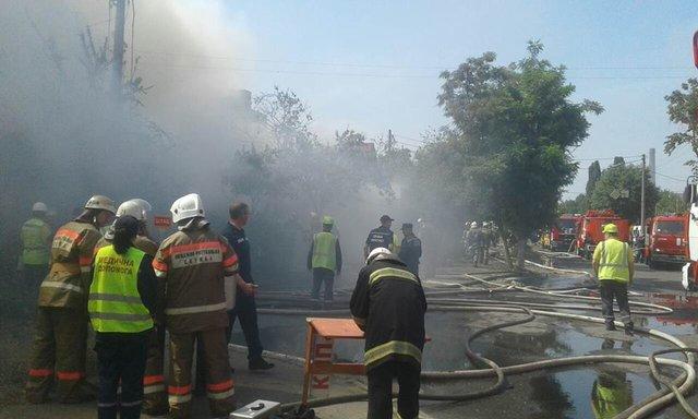 пожарник потушил горячую красотку