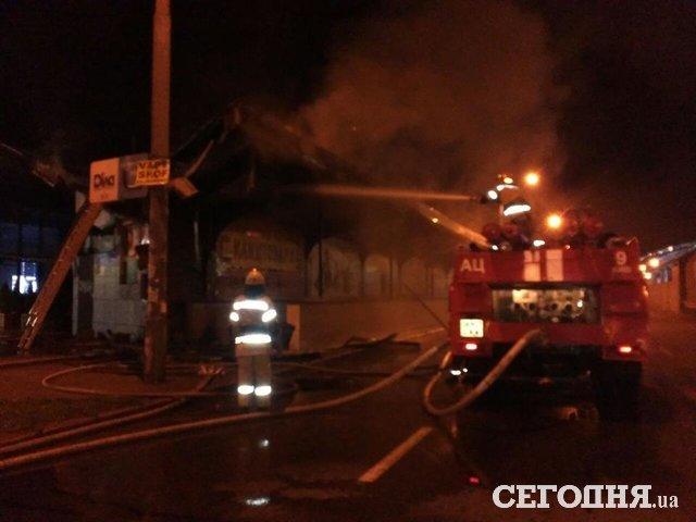 ВКиеве сгорела остановка высокоскоростного  трамвая