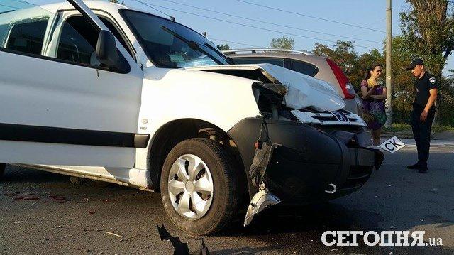 Масштабное ДТП вКиеве: повреждены 6 авто