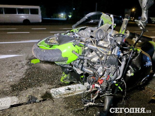 ВКиеве таксист сбил экс-охранника Порошенко