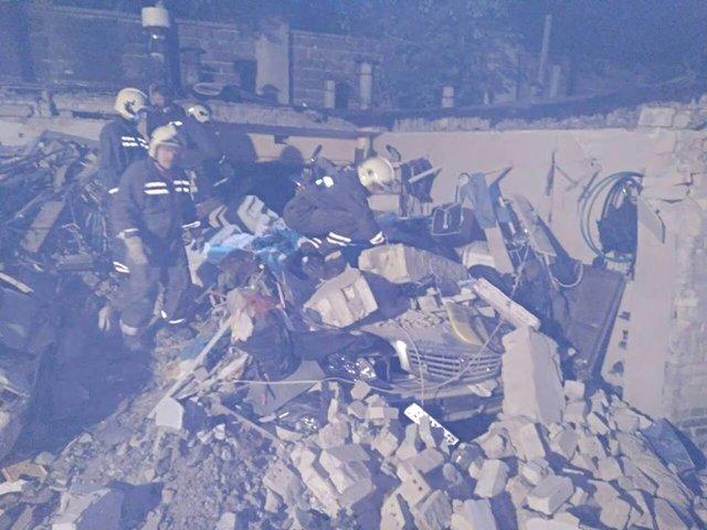 ВПечерском районе украинской столицы «взрыв» вгаражах уничтожил два автомобиля
