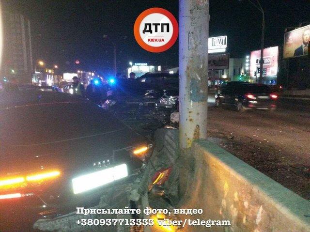 ВКиеве водителю нехватило ловкости, дабы избежать ДТП