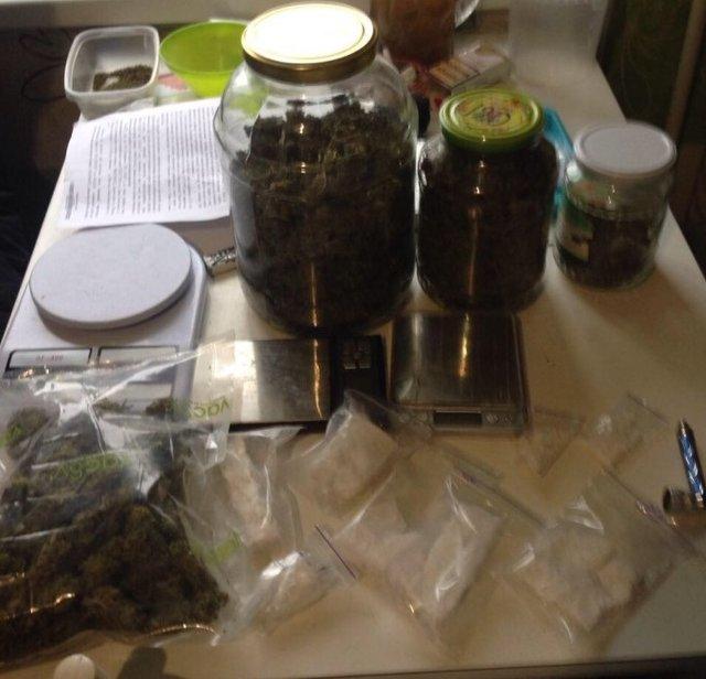 ВКиеве злоумышленники продавали наркотики ввиде «киндер-сюрпризов»