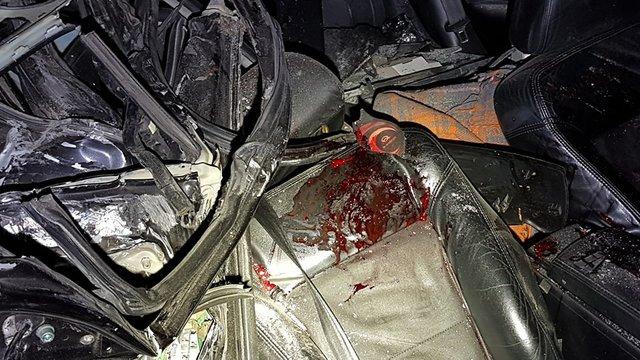 Под Киевом легковушка врезалась вфуру, погибли беременная женщина иее супруг