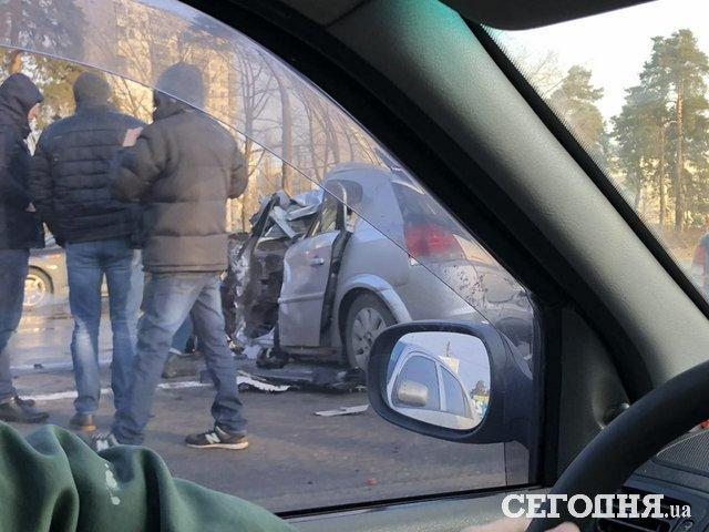 ВКиеве из-за происшествия надороге наБроварском проспекте сформировалась пробка