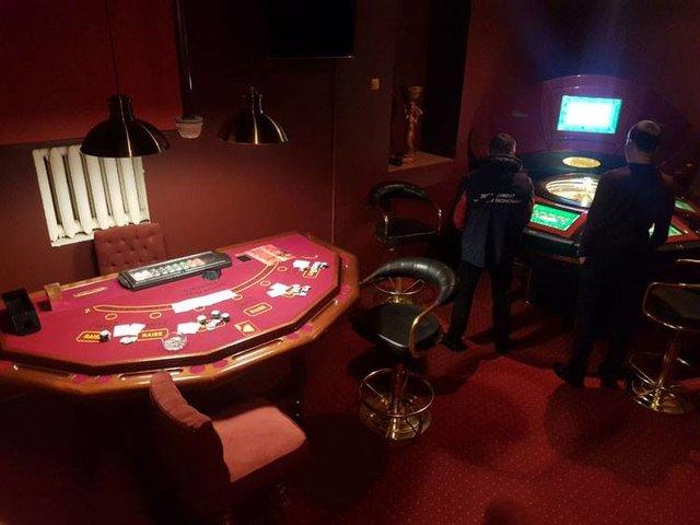 Харьков казино в какое пойти игровые аппараты на телефон бесп
