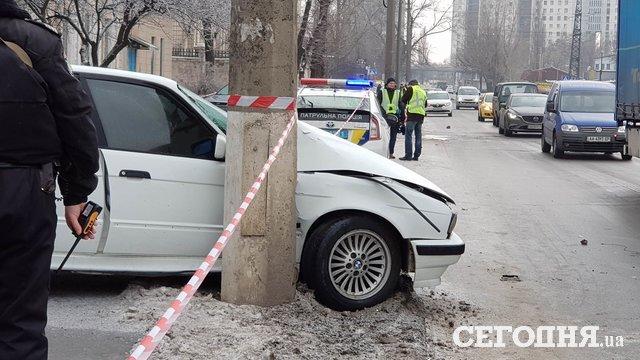 БМВ вылетел натротуар ивпечатал женщину встолб— Смертельное ДТП Киеве