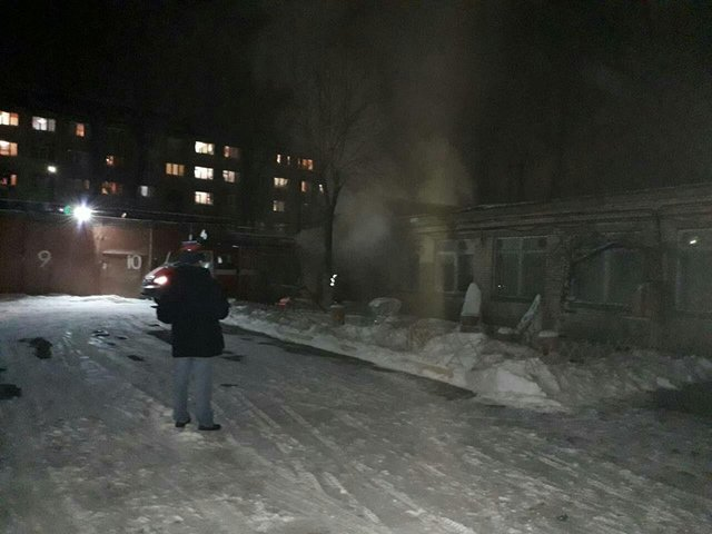 В Киеве горела школа, есть пострадавшие, фото-2