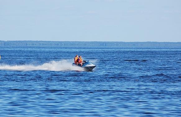 отдых на воде с рыбалкой