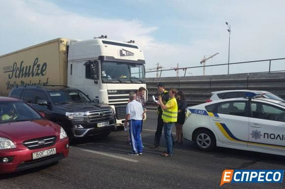 Экс-мэр столицы Украины Омельченко попал вДТП