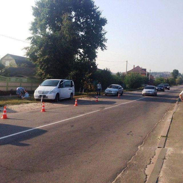 ВКиевской области двое детей попали под колеса авто