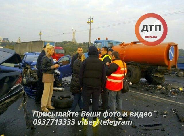 ВКиеве нетрезвый шофёр спровоцировал ДТП спожаром