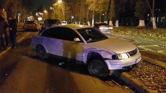 ДТП спогоней истрельбой вКиеве: разбито 4 авто, пострадал полицейский
