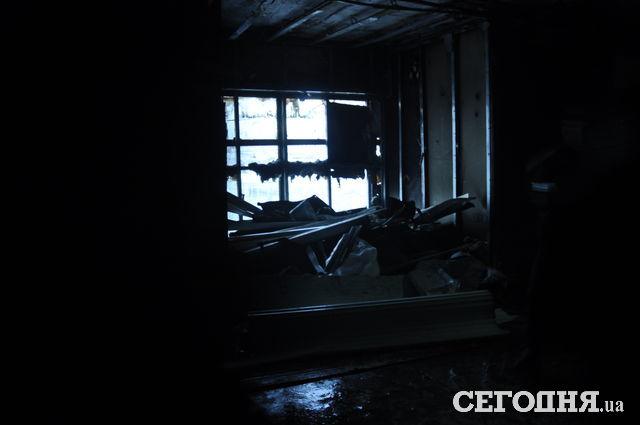 ГСЧС: ВКиеве ночью сгорел торговый павильон