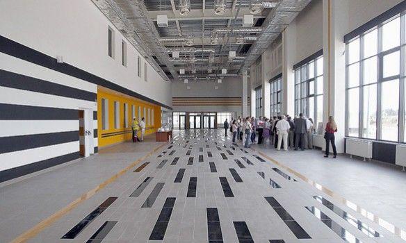 ВКиеве открыли новый автовокзал «Теремки» смагазинами иотелем