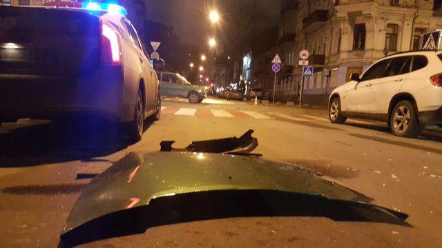 ВКиеве наПодоле случилось масштабное пьяное ДТП— Шесть разбитых авто