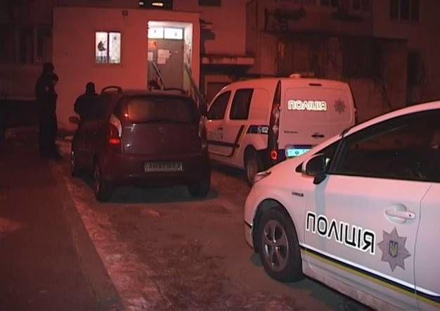 ВКиеве мужчина зарезал женщину наглазах у 2-х детей