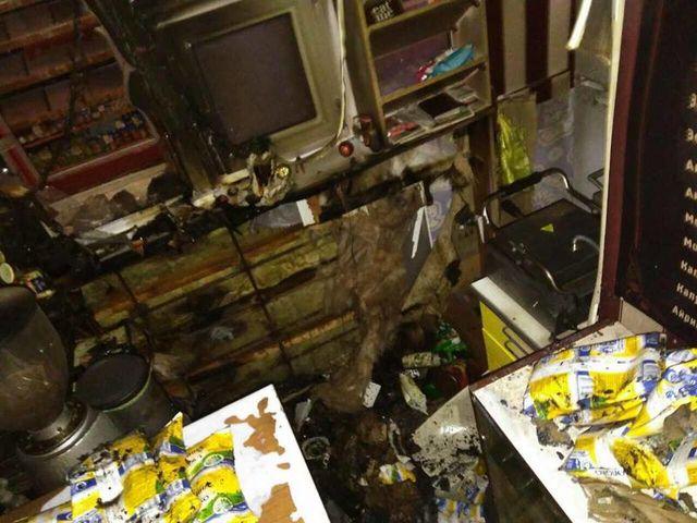 ГСЧС: ВКиеве наПетровке горел двухэтажный склад