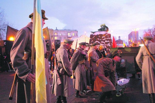 НаАрсенальной площади будет демонтирован памятник-пушка