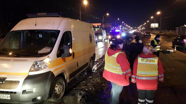 ВКиеве «ВАЗ» въехал вотбойник, водитель погиб наместе