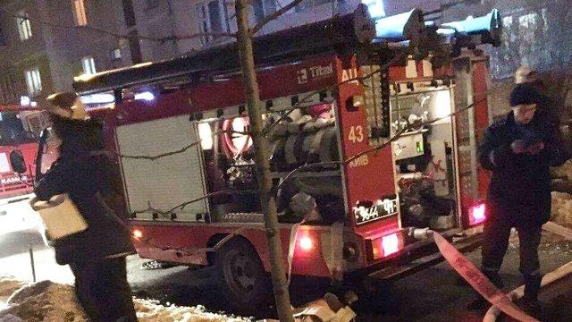 ВКиеве при пожаре погибла женщина, еедочь доставлена вбольницу вкритическом состоянии