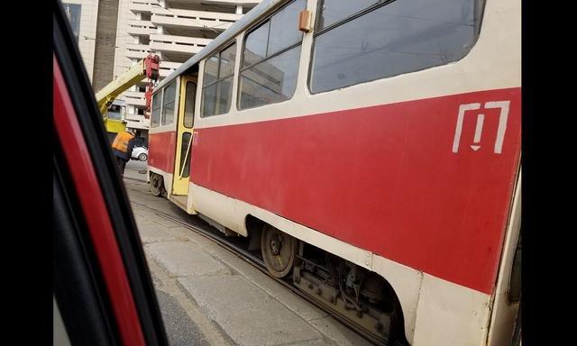 Вцентре столицы Украины сошли срельс два высокоскоростных трамвая